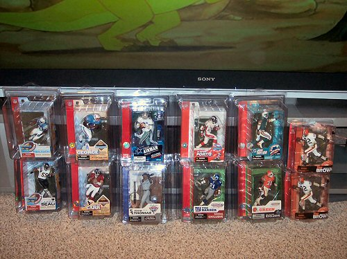 Collection of sports action figures, star wars collectibles, pinball machines and more - Sack Exchange